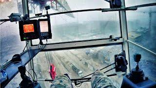 Питерский шторм глазами крановщика. Storm in St.Petersburg through the eyes of a crane operator.