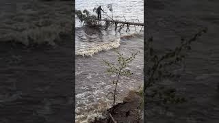 Рыбинское водохранилище шторм