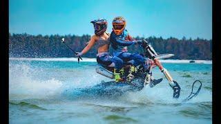 мотоцикл сноубайк по воде !  Yeti snow MX First girl on Snowbike on water Karafuto Riders