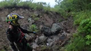 Очень лютый каменный ручей Настоящий хард Эндуро от Dirty Day extreme enduro.приятного просмотра ))