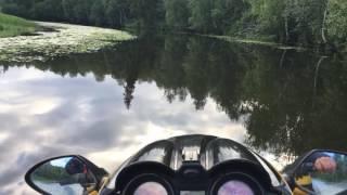 По реке яда на гидроцикле