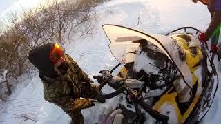 Погоня на снегоходе за зайцем