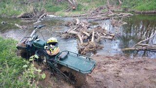 Мотоциклы Тула и Полноприводный мото вездеход пробираются через болота, серьёзное испытание водой