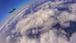 Экстрим! Вингсьют! Очень красивый клип под классную музыку Полет, облака, бешена